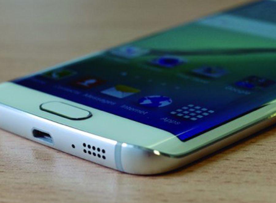¿Tienes un Samsung Galaxy S7 o un Note? Instala un cargador Qi en tu mesa de trabajo