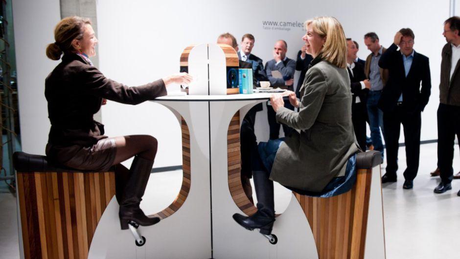 Mesas-con-pedales-en-la-oficina-del-futuro_Fuente-Cnn