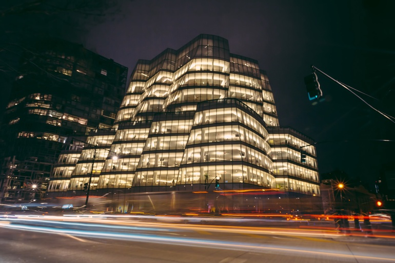 The event took place at the IAC Building in New York. Photography by Erik Bardin.