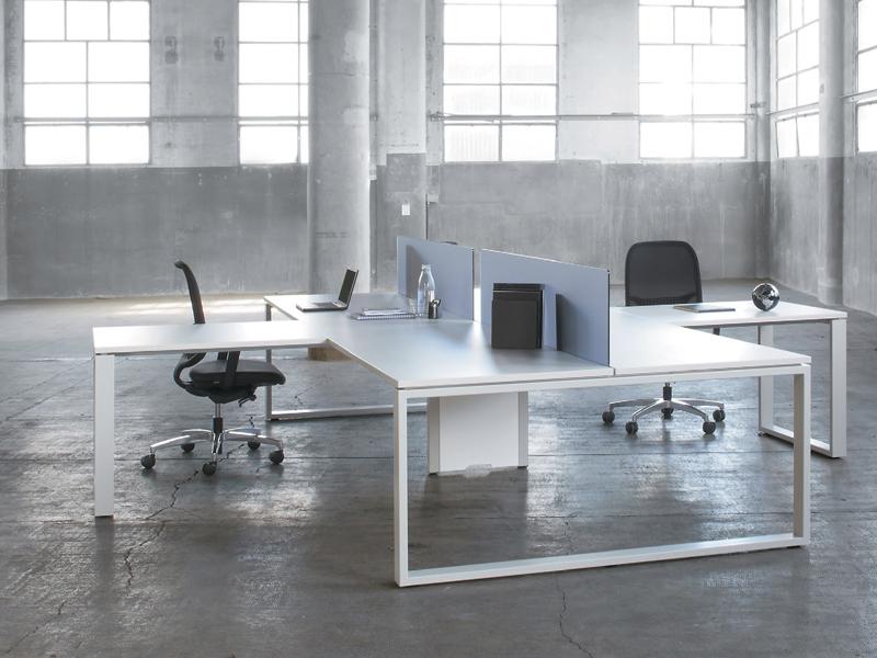 Mesas de oficina: diferencias entre una mesa operativa y una de reunión