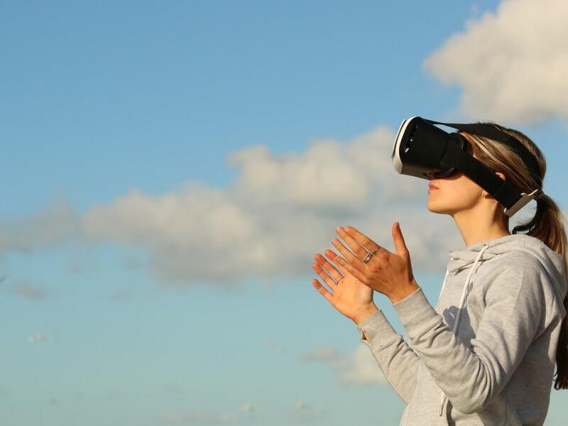 ¿Cómo implantar la realidad virtual en las empresas?
