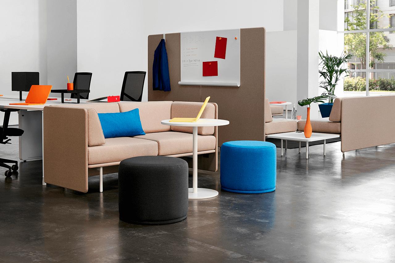 sofá y muebles de oficina
