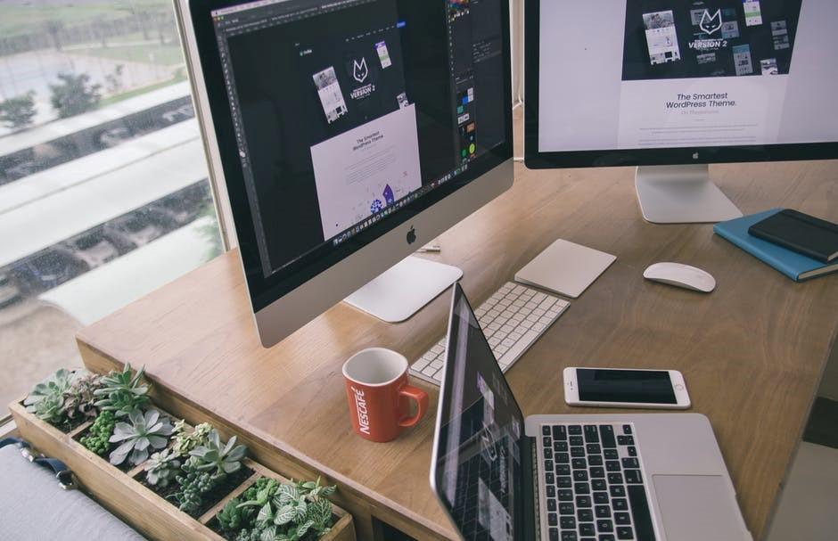 La importancia de los escritorios conectados en la smart office