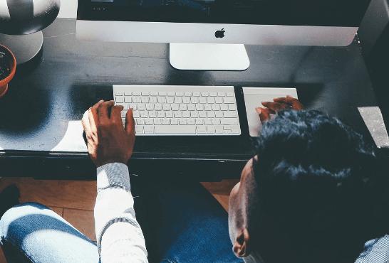 Prevenir riesgos laborales en el puesto de trabajo