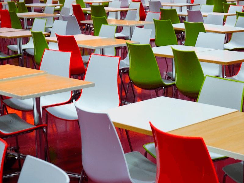 Elementos básicos para el comedor de tu oficina